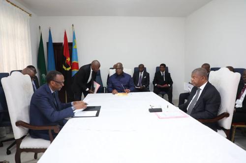 Le sommet de Luanda recommande la réconciliation entre Kagame et Museveni