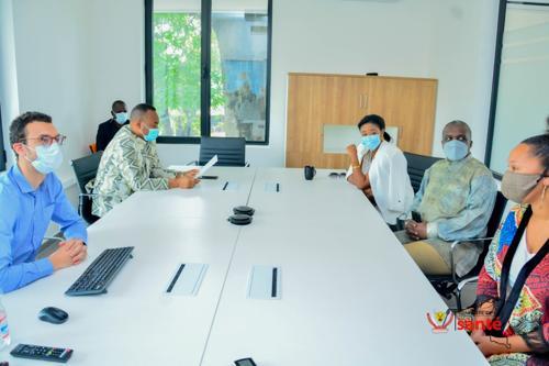 Coronavirus en RDC : le docteur Jean-Marie Kayembe met en garde contre le relâchement des ...