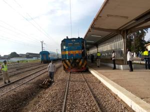 Image result for un train de la SPCT